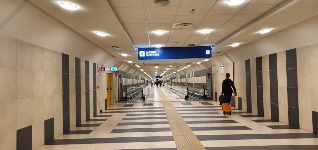 Как добраться из аэропорта Бари в центр города
