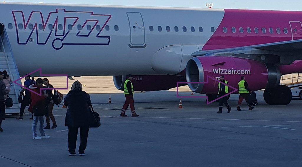коляска на борт самолета
