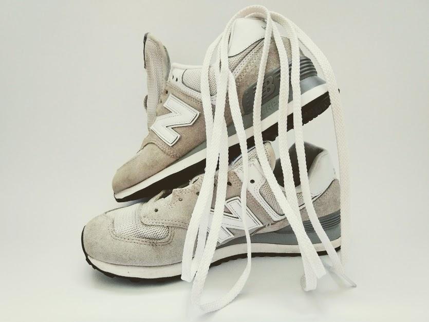 как стирать белые кроссовки